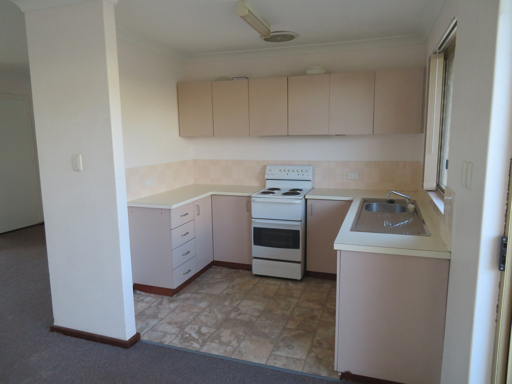 GREAT VALUE TWO BEDROOM UNIT WITH AIRCONDITIONER!!