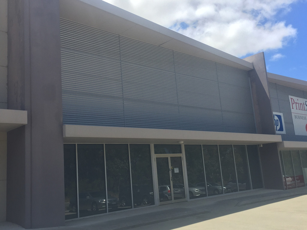 QUALITY SHOWROOM / OFFICE / WAREHOUSE - INCENTIVES OFFERED