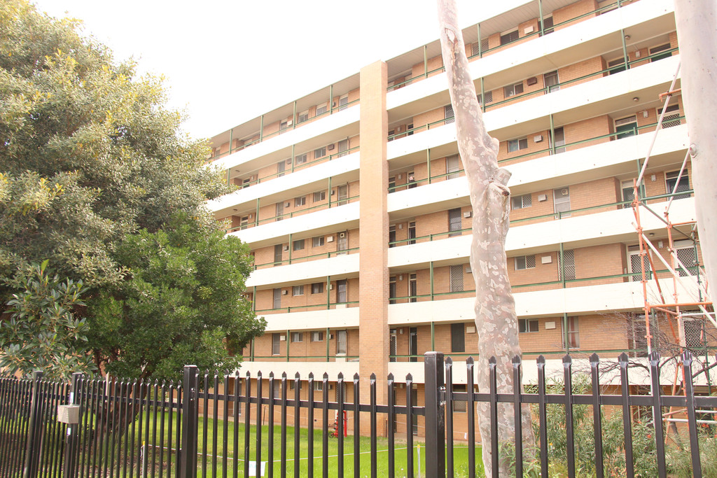 GREAT VALUE, EXCELLENT CITY VIEWS AND A CENTRAL LOCATION!