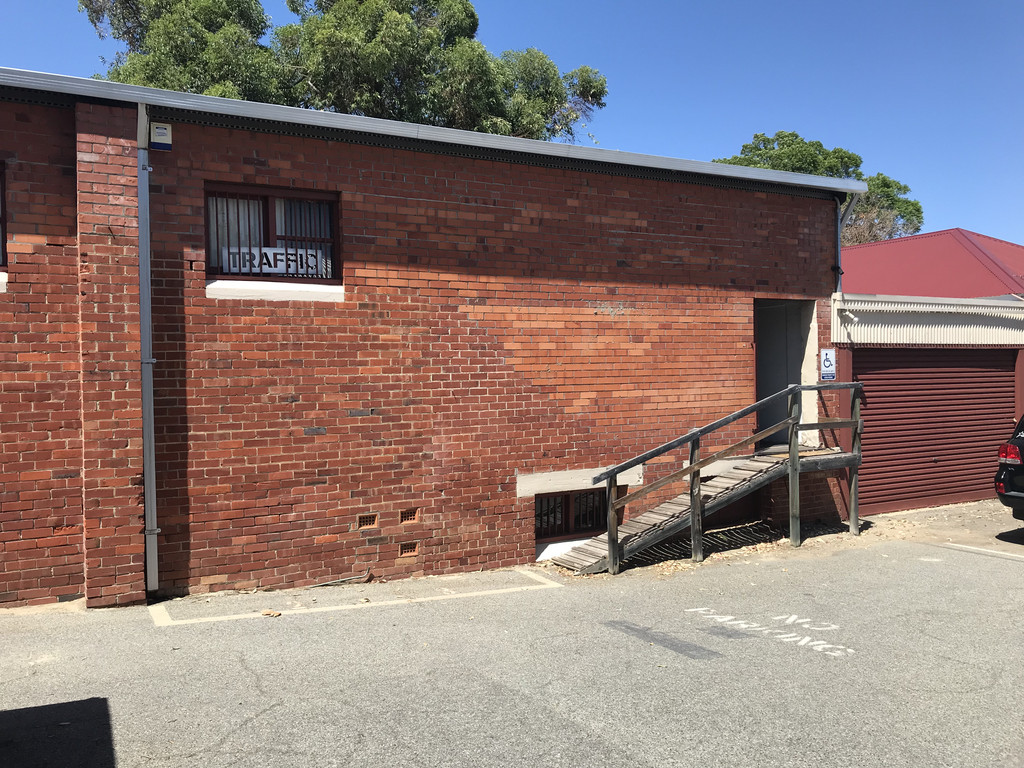 INCENTIVES OFFERED -  STUDIO / OFFICE / SHOWROOM SPACE