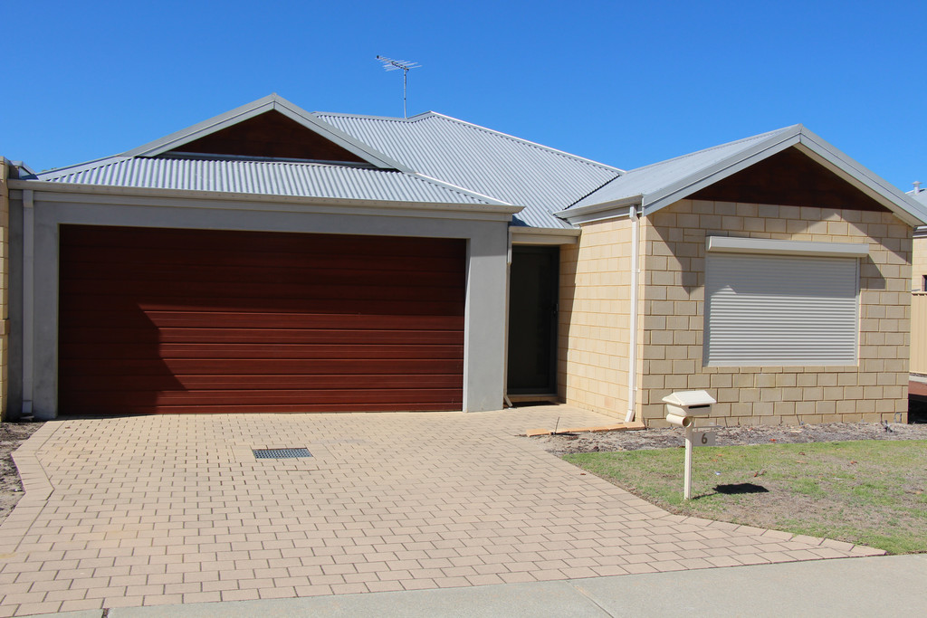 IMMACULATE 3X2 AIRCONDITIONED HOME!