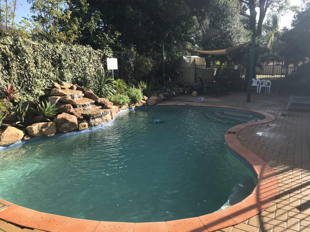 FULLY FURNISHED APARTMENT WITH POOL IN COMPLEX
