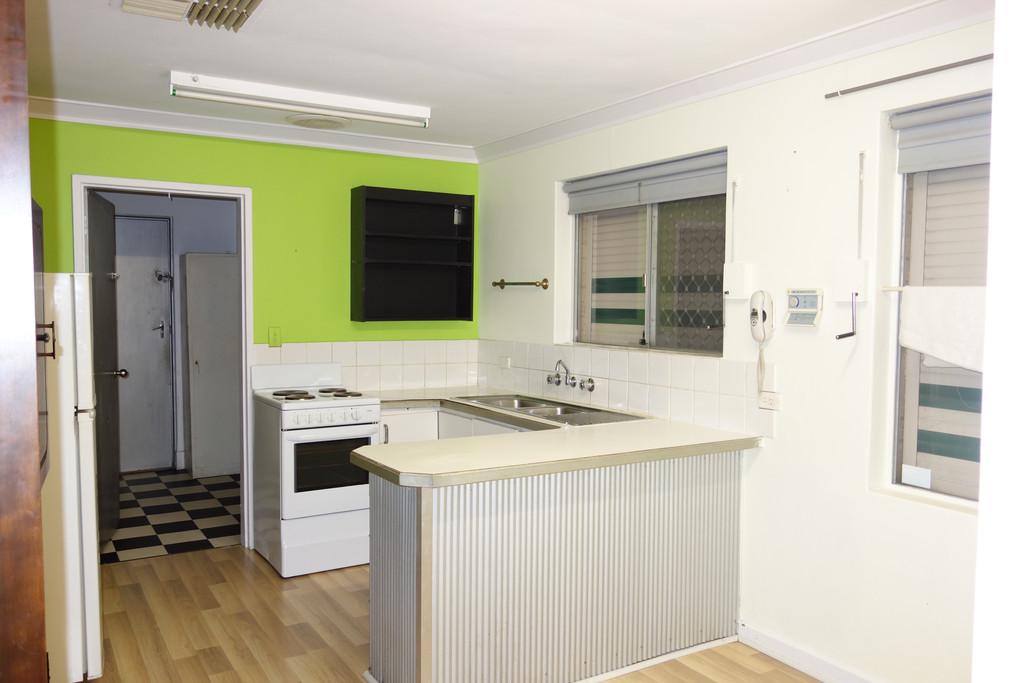 31914-001-Kitchen