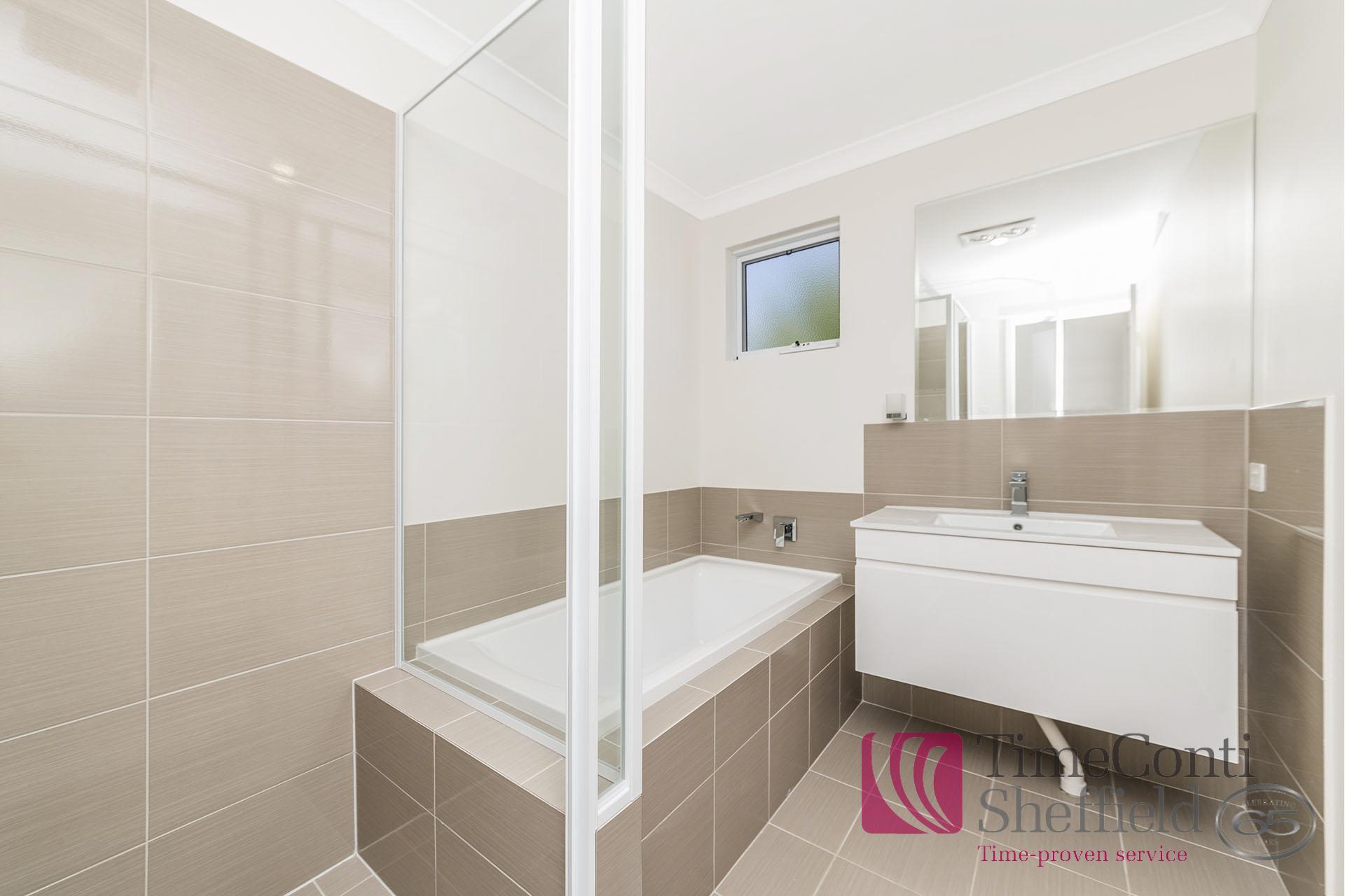 14486-012-Bathroom
