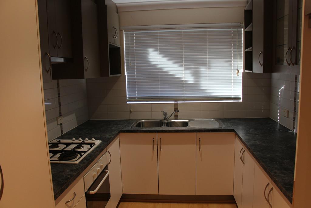 17958-002-Kitchen