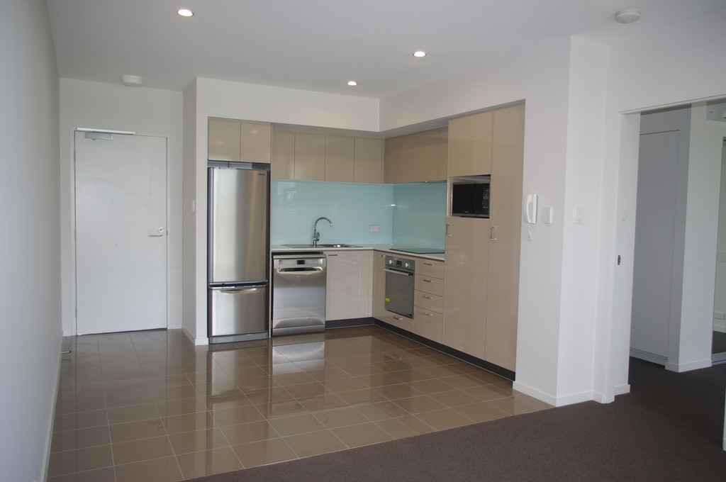 LUXURY APARTMENT WITH POOL, GYM, SPA, BBQ, AND MORE!