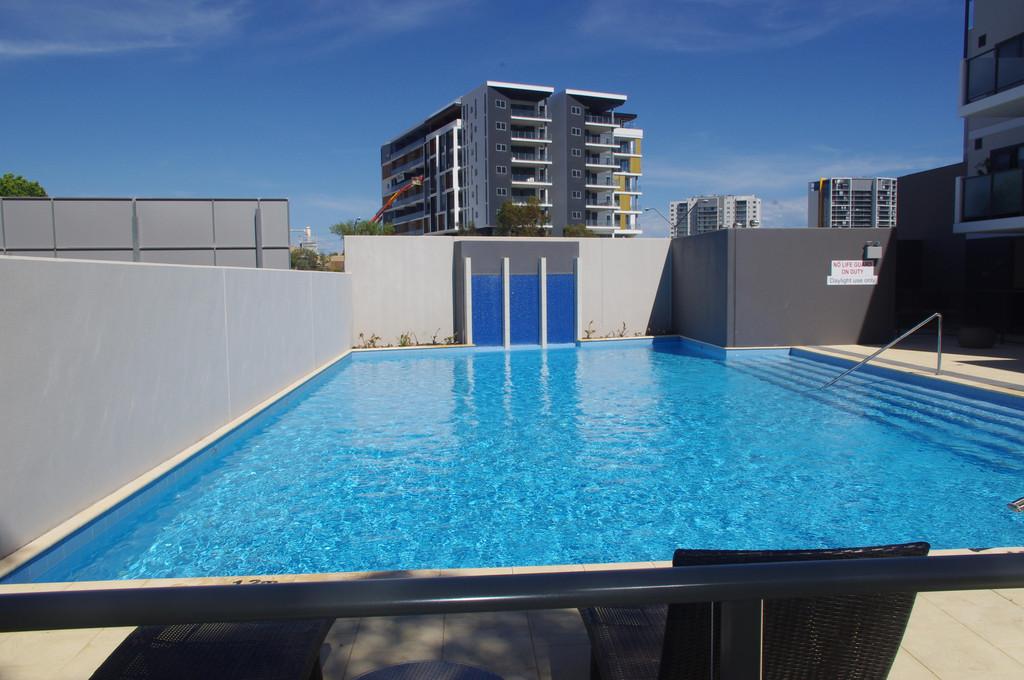 7581-010-Pool