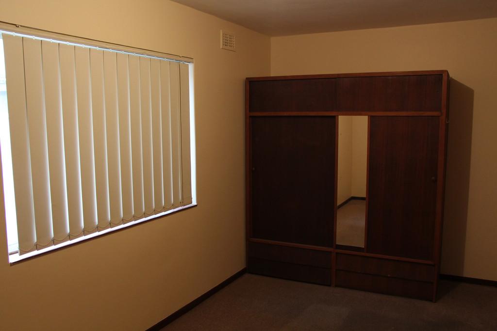 20079-004-Bedroom