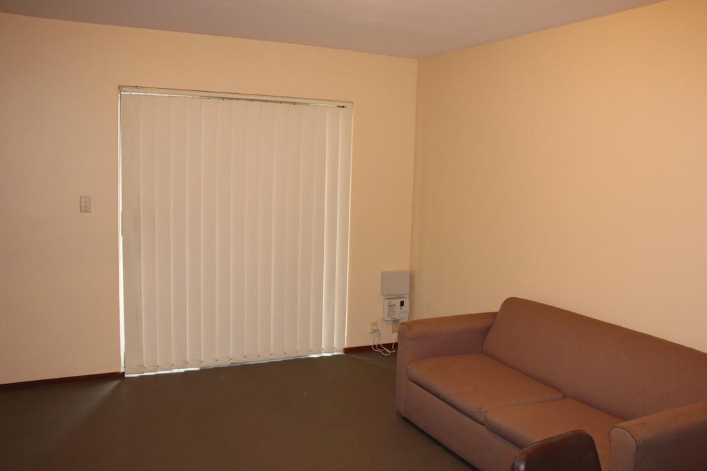 31913-003-Lounge
