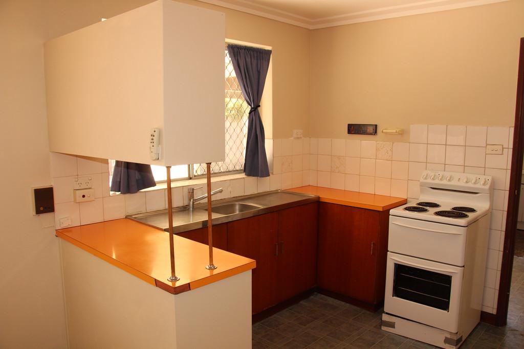 6727-000-Kitchen