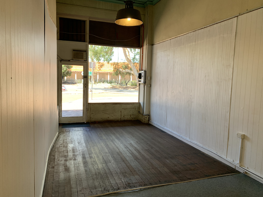 COSY RETAIL SPACE FOR LEASE ON A BUSY CORNER