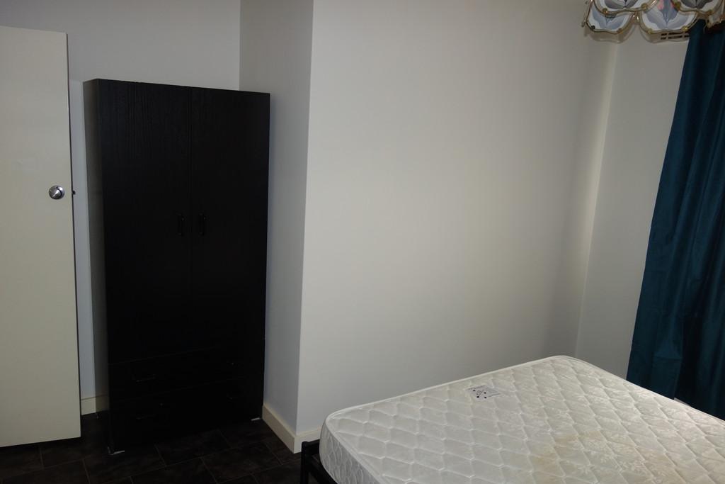 23424-006-Bedroom