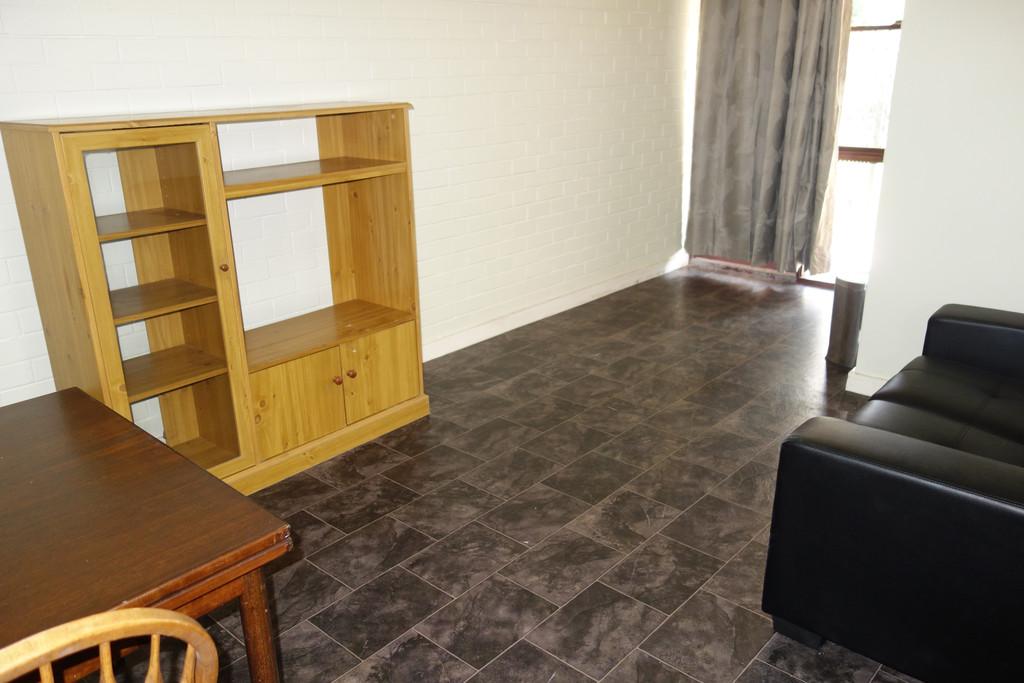 25438-003-Lounge2