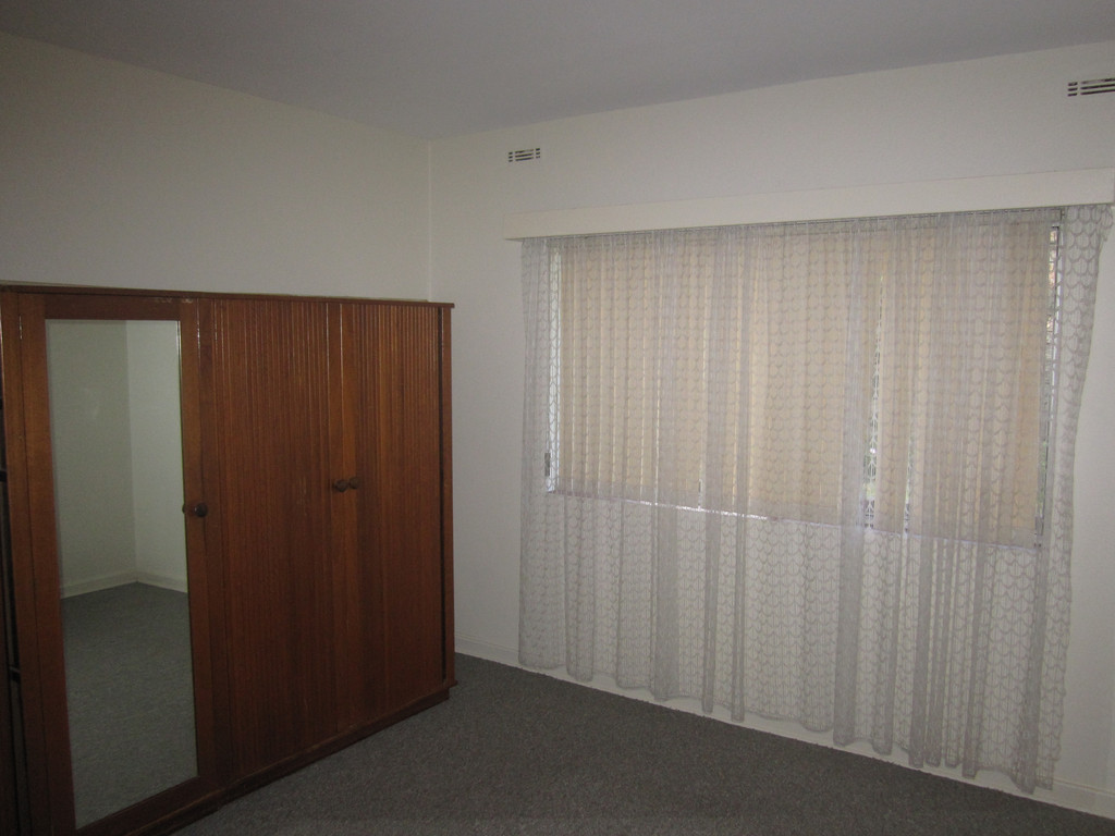 2596-004-Bed1