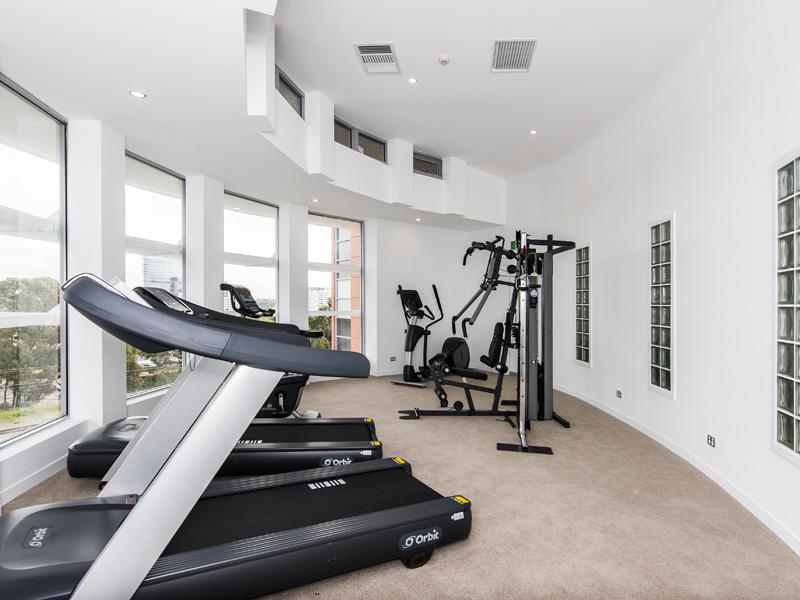 3937-016-Gym