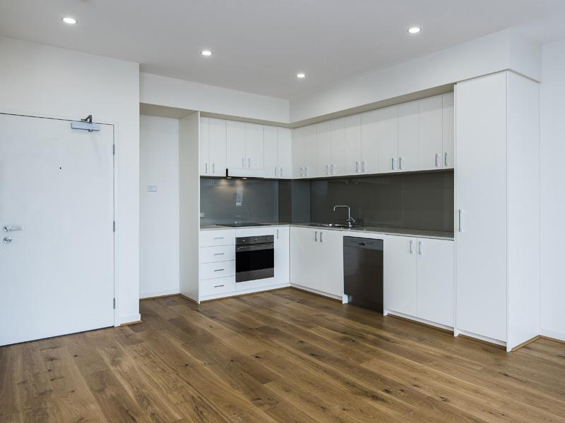 5293-001-Kitchen1