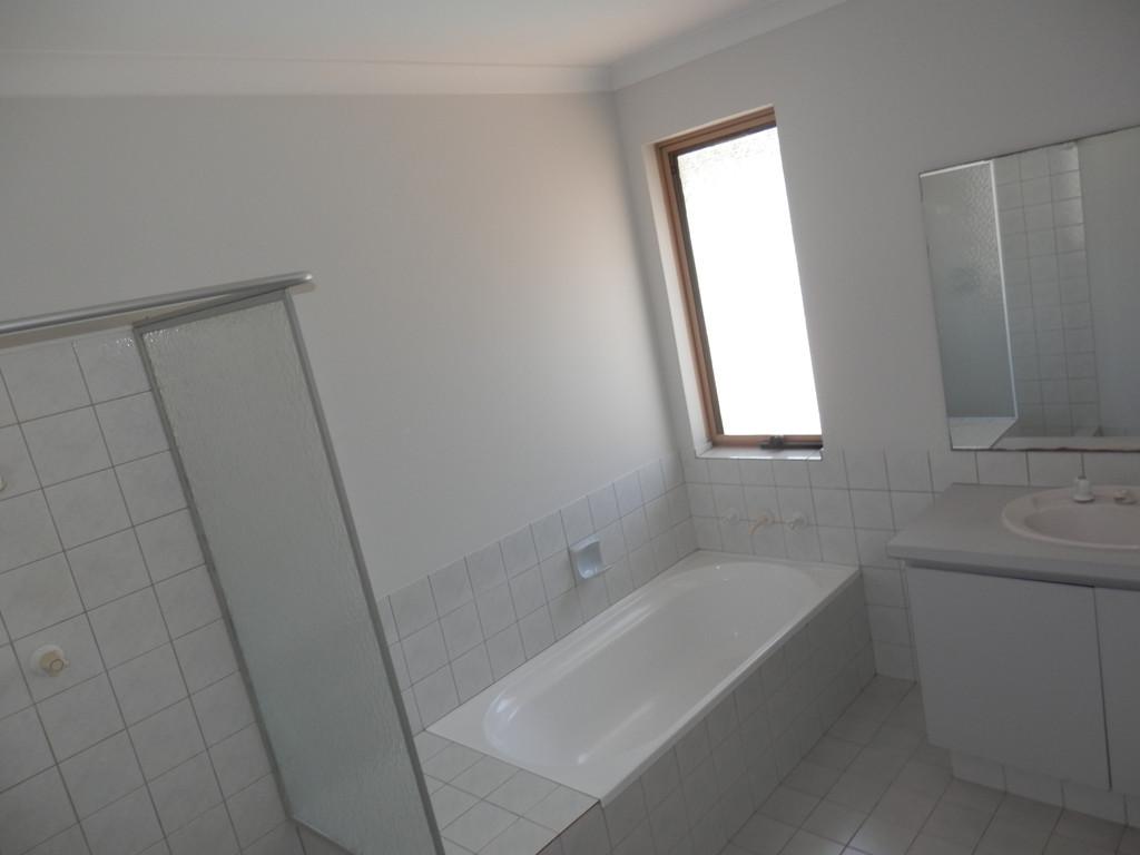 2293-011-Bathroom