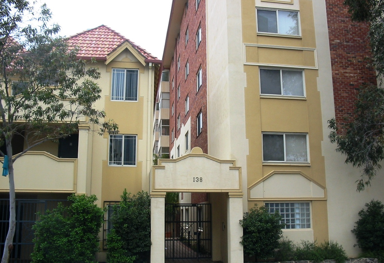 TWO BEDROOM AIRCONDITIONED APARTMENT WITH PARKING!