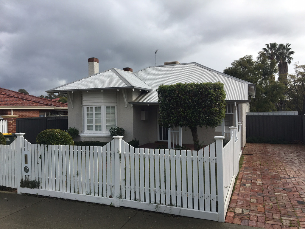 RENOVATED CHARACTER HOME WITH REVERSE CYCLE AIR CON/HEATING