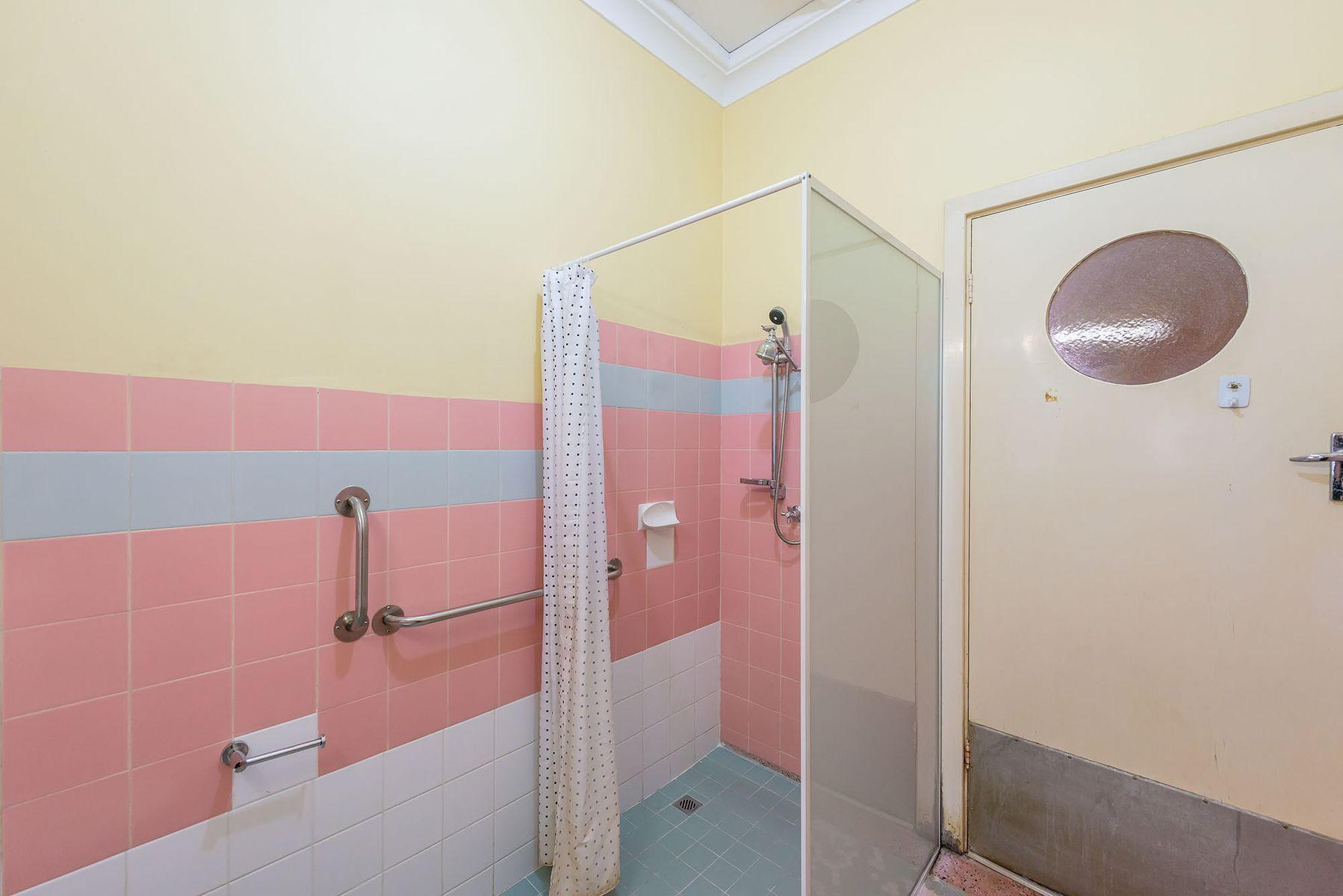 17163-bath2