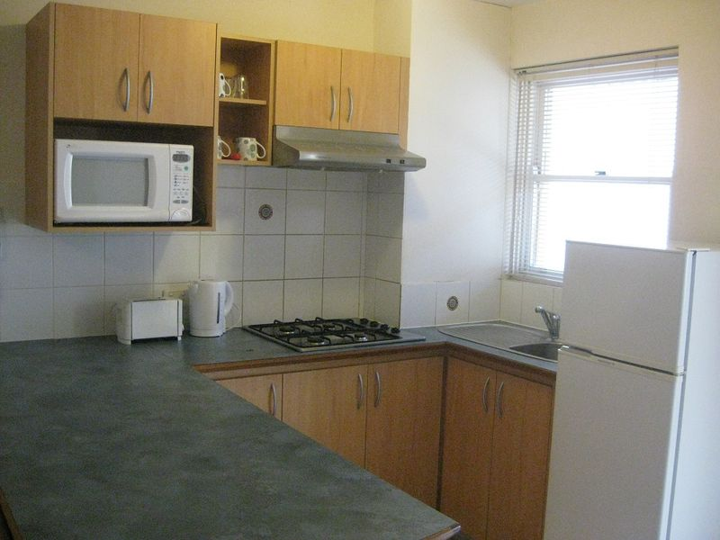 FULLY FURNISHED STUDIO APARTMENT!