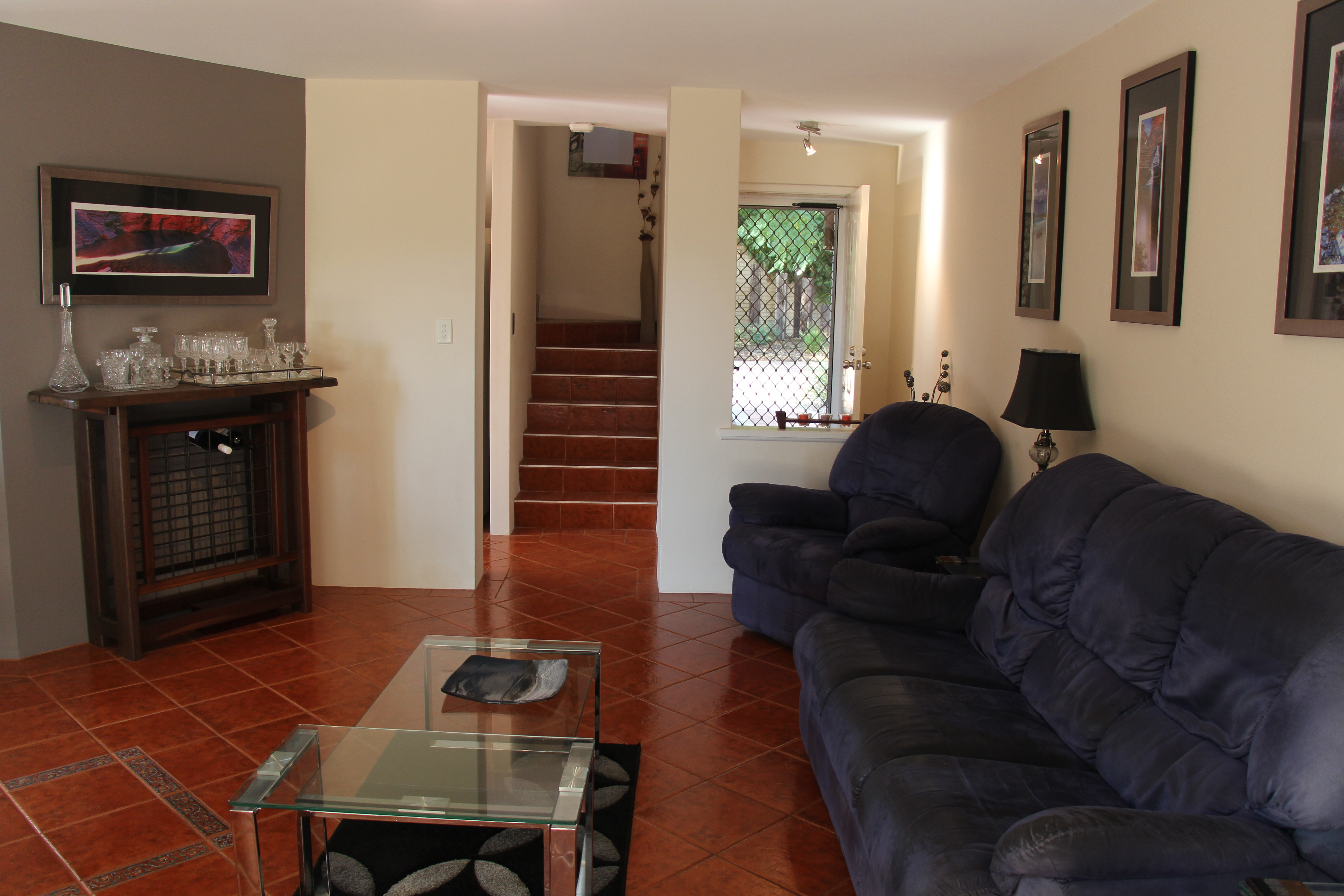 IMMACULATE FULLY FURNISHED AIRCONDITIONED TOWNHOUSE